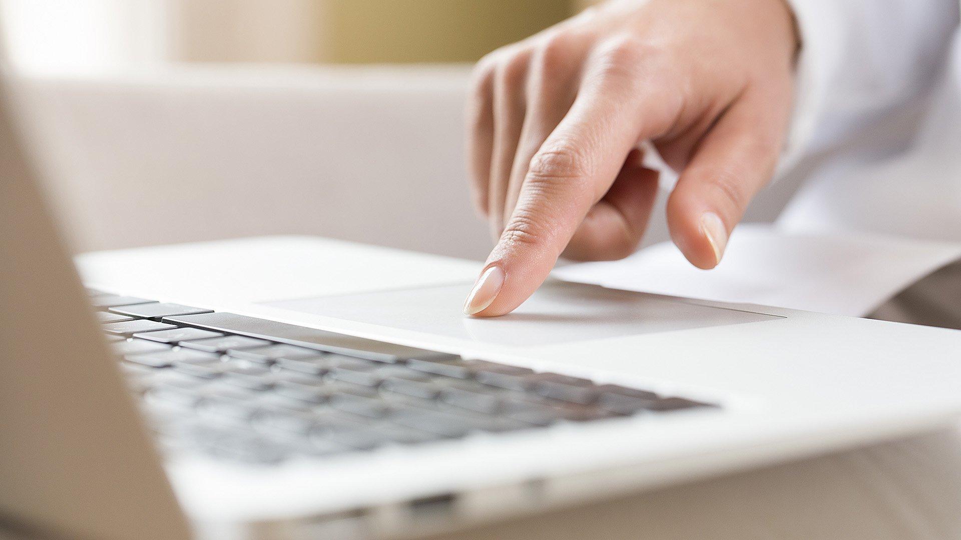 macbook-trackpad-scroll